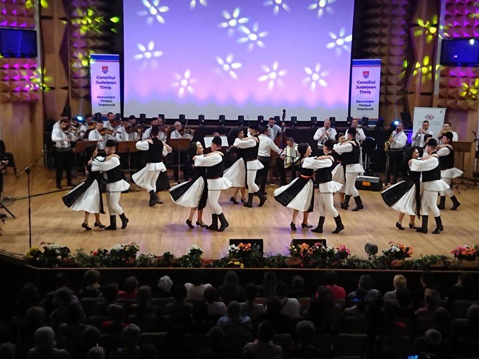 Junii Sibiului au dus tradițiile din județul Sibiu la Timişoara!